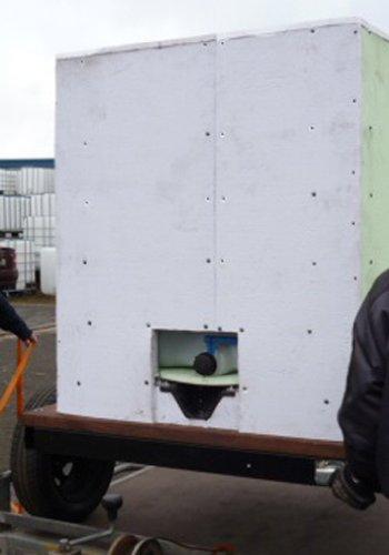 VOLLISOLIERTE mobile Weidetränke / fahrbare Tränke 1000 Liter (8) inkl. BEHEIZBARER TRÄNKE IBC Tank auf Kunststoffpalette auf Anhängen Komplett neu - 2